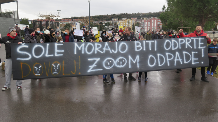 protesti koper - dijak