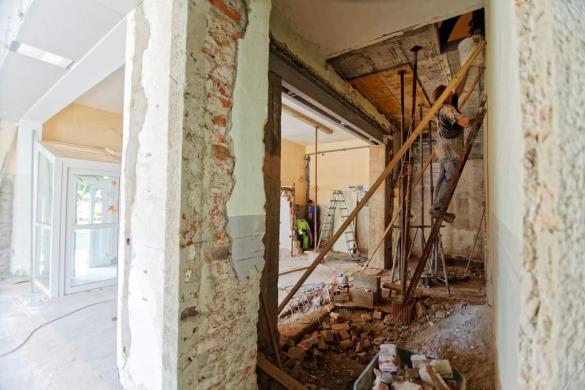 Gradnja in obnova v Mariboru: Kje najti dobrega mojstra?